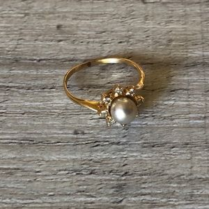 14K GOLD & cultured PEARL RING stamped diamond